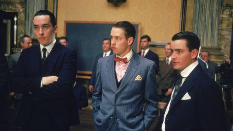 Acht Mann und ein Skandal